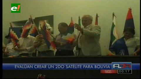Embajada rusa regala tres mil wiphalas