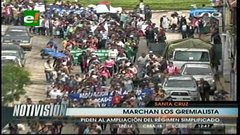 Gremialistas marcharon, exigen la modificación del régimen simplificado