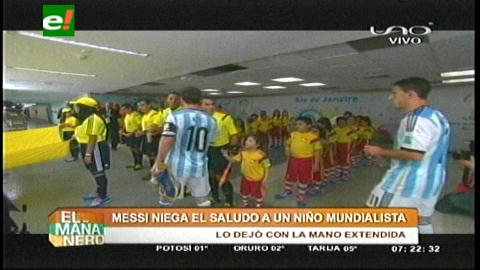Lionel Messi niega saludo a un niño mundialista