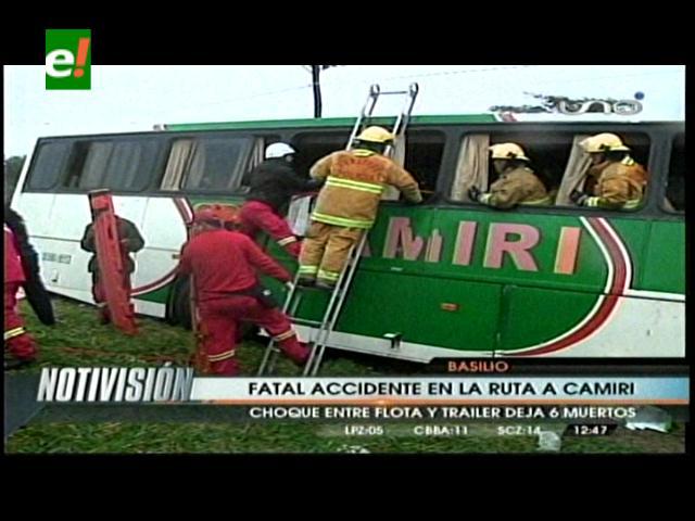 Seis muertos y 40 heridos en accidente en la ruta Camiri-Santa Cruz