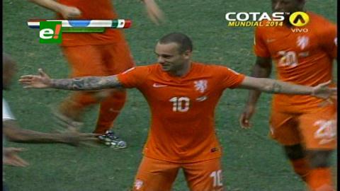 Con un penal, Holanda le arrebató la victoria 2-1 a México