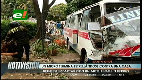 Micro termina en una casa tras accidente