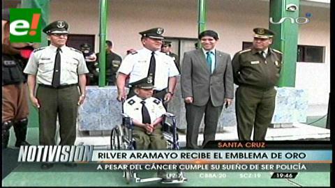 Santa Cruz: Niño policía estuvo en el Comando, recibió el emblema de oro