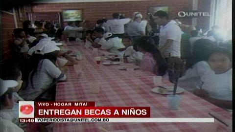Unidad Demócrata entregó becas a niños del Hogar Mitaí