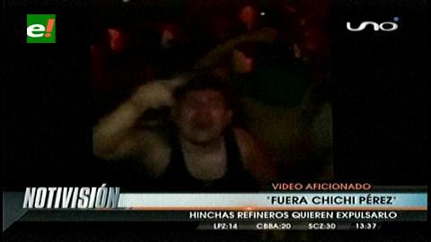 """Hinchas de Oriente amenazan con cánticos a """"Chichi"""" Pérez"""