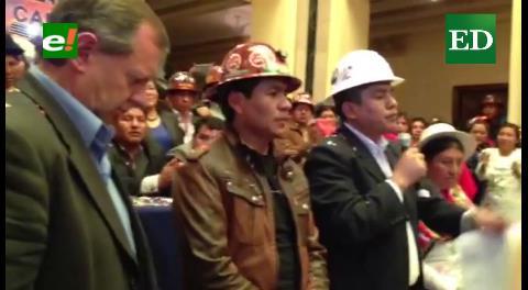 Conalcam entregó proyecto de repostulación de Evo Morales
