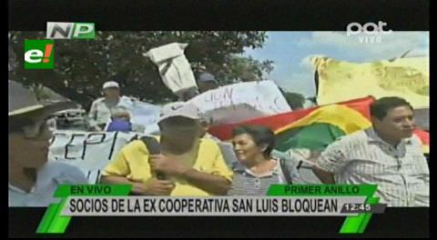 Santa Cruz: Ex socios de la San Luis bloquearon el primer anillo, exigen la devolución de sus ahorros