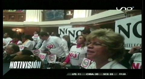 Oposición y oficialismo se enfrentan en la ALP por la re elección de Evo Morales