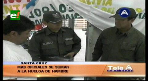Policías se suman a la huelga del cabo Marquéz