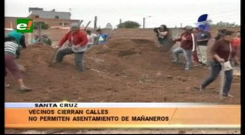 """Colocan tierra y alambres para evitar asentamientos de los """"mañaneros"""""""