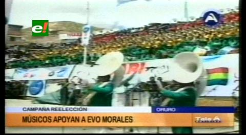 Músicos de Oruro apoyan repostulación de Evo