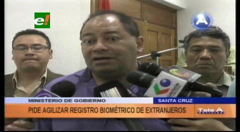 Ministro Romero pide agilizar el registro biométrico de extranjeros