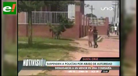 Policías son filmados con un adolescente desnudo
