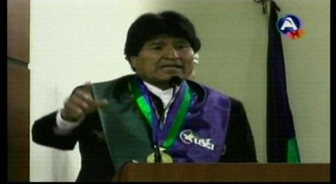 Evo recibe título Doctor Honoris Causa de la Universidad San Francisco de Asís