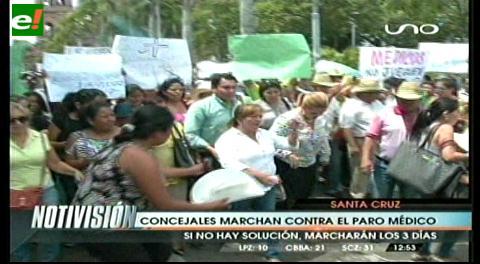 Concejales marcharon contra el paro médico