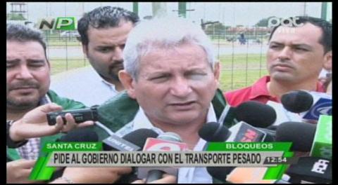 Costas pide diálogo entre el Gobierno y el transporte pesado