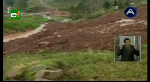 Derrumbe de un cerro afecta 4 casas en Cochabamba
