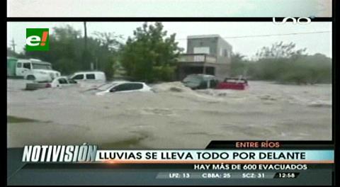 Argentina: Autos flotando y más de 600 evacuados por las intensas lluvias en Entre Ríos