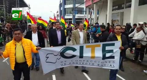 Samuel y dirigentes de UN desfilaron en la Villa Primero de Mayo