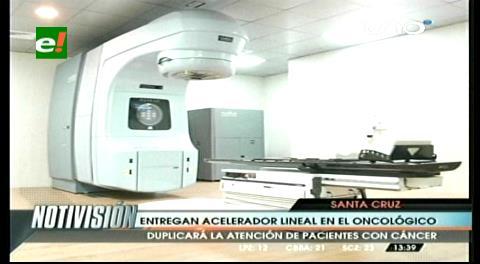 Gobernador Costas entrega un acelerador lineal al Oncológico