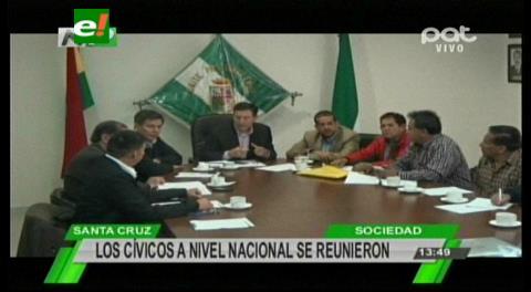 Cívicos del país se reúnen en Santa Cruz
