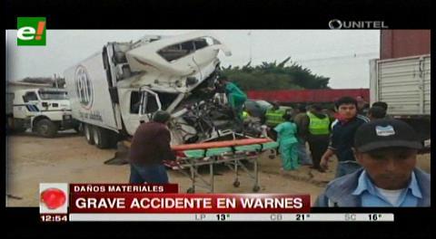 Cuatro personas heridas tras choque entre dos camiones en la vía a Warnes