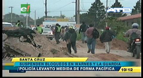 Policía abre vías en km 17 al norte y en La Guardia