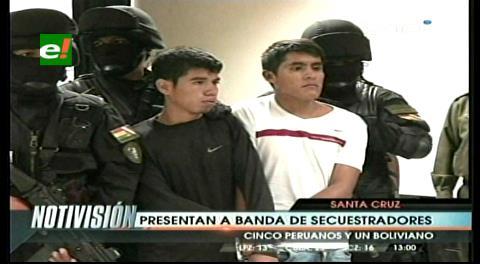 Ministro Romero presenta a secuestradores de una joven