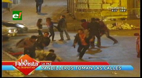 La Paz: Jóvenes ebrios protagonizan peleas violentas en medio de las calles