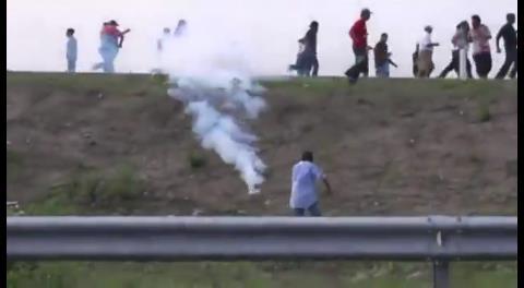 México: Seis muertos y 100 heridos en los enfrentamientos entre policías y maestros