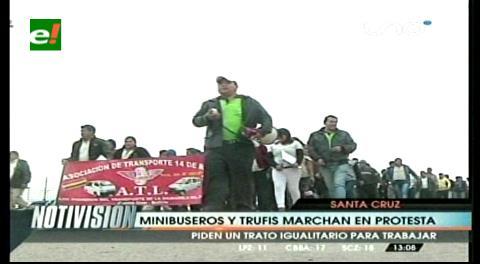 Minibuseros y dueños de trufis marcharon, piden trato igualitario para trabajar