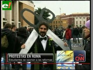 Protestas en Italia contra la reforma educativa