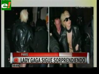 Lady Gaga sale de compras semidesnuda