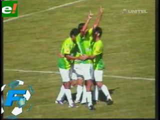 Oriente goleó a Real Potosí y es uno de los punteros