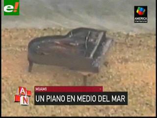 Aparece misterioso piano en medio del mar