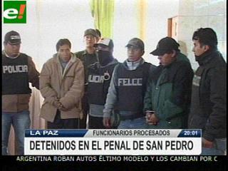Juez dicta cárcel y arresto domiciliario para ex funcionarios del Ministerio de Gobierno