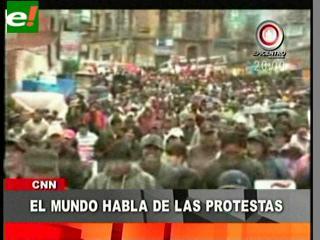 Obreros y universitarios paralizaron La Paz
