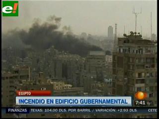 Incendio en edificio gubernamental de Egipto deja 8 intoxicados