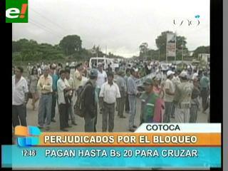 Bloquean rutas que une Santa Cruz con Cotoca y Beni