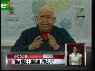 """Chávez hace un llamado para """"blindar"""" a la Unasur"""