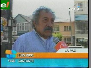 """Luis Rico regala """"Coraje"""" a los marchistas del TIPNIS"""