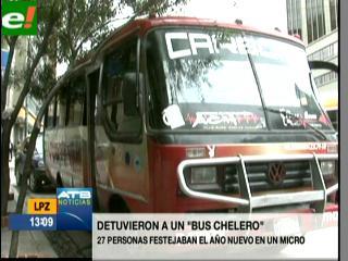 """Tránsito retiene a un """"Bus chelas Tunning"""" con 27 personas en La Paz"""