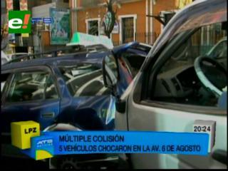 Múltiple colisión en la avenida 6 de Agosto de La Paz