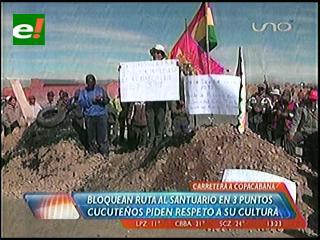 Campesinos de Cucuta bloquean la carretera a Copacabana