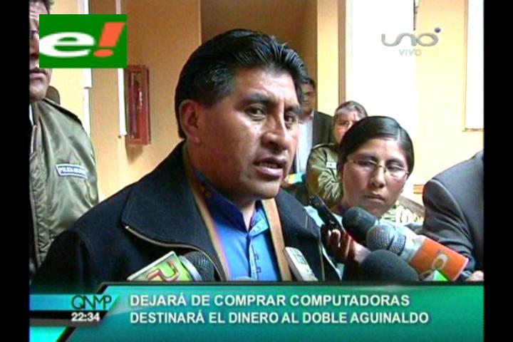 Cocarico: Tenemos que rascar la olla para nuestros funcionarios