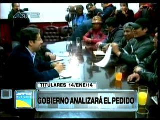 Titulares: COB propone salario de Bs 2000, Gobierno analiza el pedido