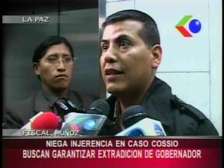 Fiscal que lleva el caso de Mario Cossío fue sorprendido en la oficina del Senador Isaac Ávalos