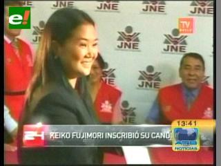 Keiko Fujimori inscribe su candidatura presidencial en Perú