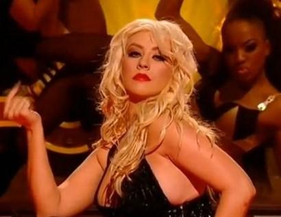 Christina Aguilera se autoinvita a una fiesta y ocasiona un escándalo