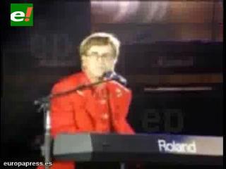 Elton John y su hijo, censurados